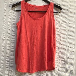 Three Dots Tank Top